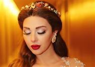 """بالفيديو.. ميريام فارس ترتدي فستاناً مرصعاً بـ """"الماس"""" في قطر"""