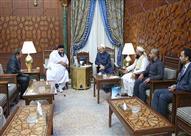 رئيس مجلس علماء باكستان: الأمة تحتاج منهج الأزهر لكشف الجماعات المتاجرة