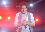 """بالفيديو والصور.. محمد منير يعلق على أحوال مصر وأزمة السكر: """"مبخدش توجيه من حد"""""""