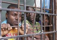 التايم: داخل مراكز الاحتجاز الليبية حيث انعدام الإنسانية