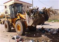 بالصور.. فنان يحارب النفايات بالموسيقى ليجبر البلدية على التدخل الفوري