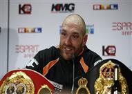 تايسون فيوري بطل العالم في الملاكمة للوزن الثقيل يعلن اعتزاله