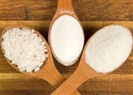 تجنباً لغش التجار.. كيف تفرق بين السكر والملح؟