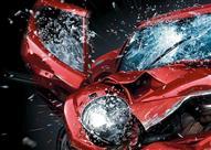 للطوارئ.. تعلم كيفية تحطيم زجاج السيارة بأمان (فيديو)