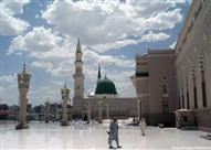 إمام المسجد النبوي يحذّر من مفتريات وبدع «عاشوراء»
