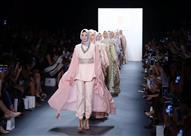 مصممات مسلمات يقلبن المقاييس بأزياء المحجبات في عروض الأزياء العالمية