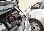 الطريقة الصحيحة لتشغيل السيارة بمساعدة بطارية خارجية
