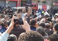 بالفيديو..مظاهرات احتجاجية تطالب بإقالة وزير الداخلية.. والأمن يدفع بتشكيلات الأمن المركزي