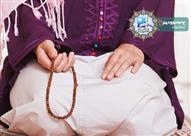 بالفيديو.. هل تقبل صلاة المرأة إذا لم تغطي قدميها أثناء الصلاة؟