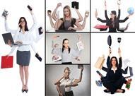 لماذا تتفوق المرأة على الرجل بإنجاز عدة أعمال في نفس الوقت؟