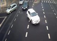 عمود إنارة ينقذ فتاة بولندية من موت محقق - فيديو