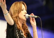 """عزة بلبع في حفلها بذكرى """"الفاجومي"""": كنت محرومة من الغناء بجامعة القاهرة"""