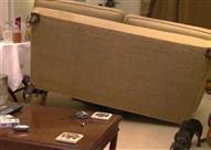 الحكم على متجر أثاث بتعويض بعد انهيار أريكة بسبب ثقل وزن مشتريها!