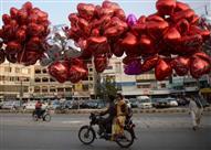 بالصور: عيد الحب في جميع أنحاء العالم