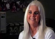 بالفيديو: شاهد ماذا عثرت هذه السيدة عند فتحها لعلبة فاصوليا