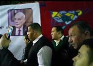 """بالفيديو والصور- """"سيلفي الخطيب"""" يُثير أزمة في عزاء محمود بكر"""