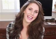 """بالفيديو والصور.. امرأة قادرة على """"الحمل"""" مرتين في نفس الوقت؟!"""