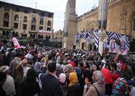 الآلاف يحيون الليلة الختامية لمولد الحسين - صور