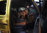 السعودي الذي أثار العالم بسياراته الذهبية.. يواصل عمله بفهد وجمل