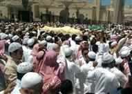 بالصور: في وداع مهيب .. الشيخ محمد أيوب من محراب النبي إلى البقيع