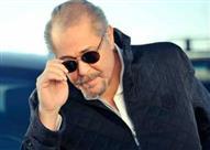 """فيفي عبده تطمئن الجمهور على صحة """"الساحر"""" محمود عبدالعزيز"""