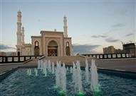 """بالصور: """"حضرة السلطان"""" واحدة من أكبر المساجد في آسيا الوسطى"""