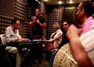 """عمرو دياب ينشر كواليس تسجيل """"أحلي وأحلي"""" - فيديو"""