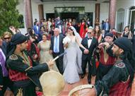 """بالصور.. إطلالة جريئة لـ """"هيفاء وهبي"""" في حفل زفاف ريما فقيه"""