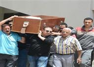 بالصور.. جنازة والد المطربة شيرين وجدى