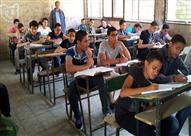 عجائب امتحانات الدبلومات.. طلاب يفاجأون بتغيير المنهج يوم الامتحان - (صور)