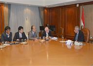 وزير الصناعة يستعرض جهود تحسين مناخ الاستثمار مع وفد من البنك الدولي