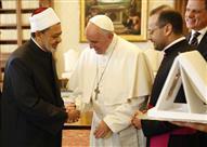 عقب زيارة شيخ الأزهر .. بابا الفاتيكان ينتقد العلمانية ويدافع عن الحجاب