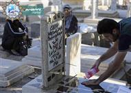 هل يجوز للمرأة الحائض أن تزور المقابر؟