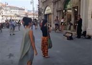 شاهد.. مليون مشاهدة لفيديو رجل عربي يشجع ابنته على الرقص!
