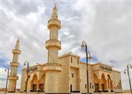 جامع العذل.. لوحة معمارية بطراز إسلامي يتسع لـ 4500 مصلٍّ