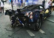 بالصور.. ثري سعودي يُحطِّم سيارة في باريس هي الوحيدة بالعالم