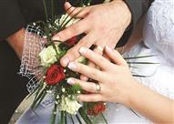 """بالفيديو.. كسرًا للتقاليد عريس وعروسة """"كاجوال"""" في يوم فرحهما.. هل"""