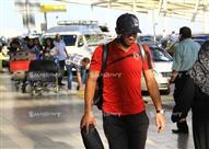 بالصور- بعثة الأهلى تغادر القاهرة متجهة إلى المغرب.. والطائرة تتأخر 40 دقيقة