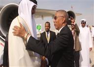 خطأ فادح من مراسلة الجزيرة اثناء استقبال امير قطر.. والقناة تقطع عنها