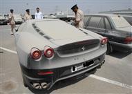 """""""انحسار الاقتصاد"""" يدفع العشرات في دبي لترك سياراتهم بالشوارع"""