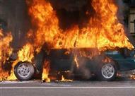 سيارة مُحترقة تُعوق الحركة المرورية بطريق بنها-المنصورة
