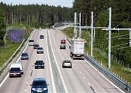 بالصور.. السويد تنشئ طريق سيارات هو الوحيد من نوعه في العالم!