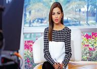 مذيعة العربية ترقص على الهواء إحتفالًا بالعيد - فيديو