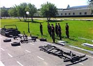 """بالصور.. جنود روس ينجحون في تجميع سيارة """"جيب"""" في 4 دقائق!"""