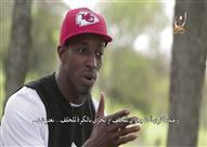 لاعب NFL الأمريكي وقصة هدايته و سجوده في الملعب