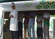 في إندونيسيا.. لا تذهب إلى المسجد، هو يأتي إليك!