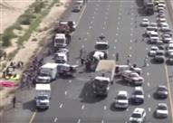شرطة دبي تنشر تصوير جوي لحادث حافلة نقل ركاب وشاحنة