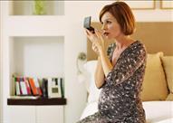 للأم الحامل.. استخدام الماكياج يقلل من ذكاء الجنين وقد يصيبه بالتشوهات