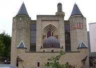 بريطانيون يستنكرون مهاجمة مسجد الملك فهد في اسكتلندا