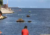 """أهالي في انتظار """"الحبيب"""" الغارق على شاطئ رشيد: """"يارب بس نلاقيه وندفنه"""""""